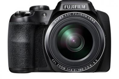 Máy ảnh Fujifilm chất lượng cho cô gái năng động