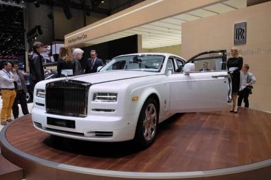 Chiêm ngưỡng vẻ đẹp lộng lẫy của Rolls-Royce Phantom Serenity