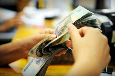 Lãi suất huy động thấp kỷ lục: Tiền chảy khỏi ngân hàng?