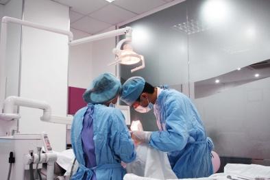 Ca ghép tim 'màu nhiệm' trao sự sống cho bé sơ sinh 3 tuần tuổi