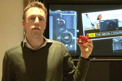 Quà tặng máy ảnh tinh khôi cho ngày Valentine trắng