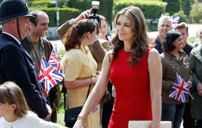 The Royals 'câu khách' vì kể chuyện bê bối của hoàng gia Anh