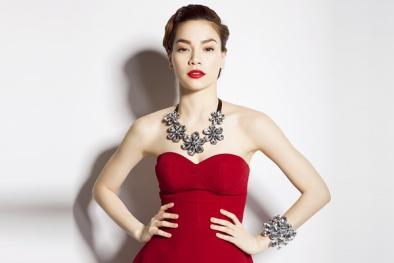 Giám khảo Hồ Ngọc Hà xách.... bàn là đi chấm thi The Remix 2015