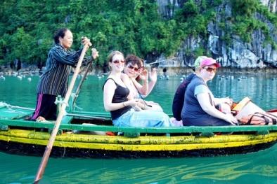 Lượng khách quốc tế đến Việt Nam tụt dốc, vì đâu nên nỗi?
