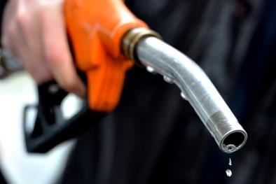 Mẹo hay tiết kiệm nhiên liệu khi lái xe ô tô