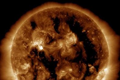 Trái Đất sẽ hứng chịu 'siêu lửa mặt trời' gây xáo trộn địa cầu?