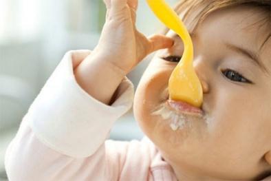 Những lưu ý đặc biệt khi cho trẻ ăn váng sữa