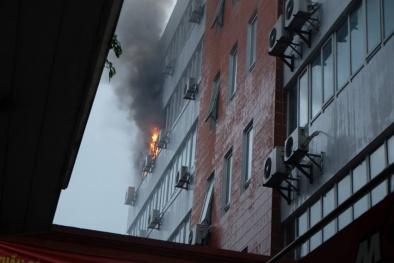 Cháy ở Công ty Hàng không AIRMEX, nhiều người hoảng loạn