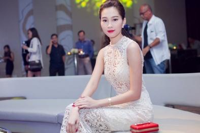 Ngắm hoa hậu Đặng Thu Thảo lần đầu diện váy xuyên thấu khoe nội y