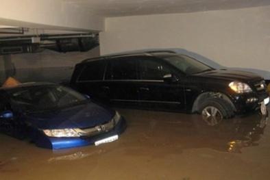 Nước mưa gây ngập ở các khu chung cư, ai nhận trách nhiệm bồi thường?