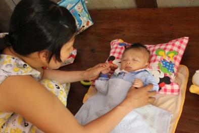 Bé sơ sinh bị đâm dao xuyên não: Kẻ thủ ác bị tâm thần
