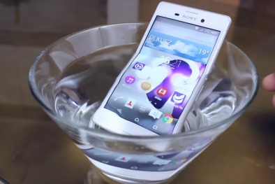 Những smartphone chống nước cực đỉnh, pin cực 'khủng' giá bình dân