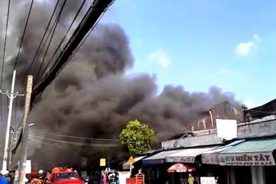 Cháy 10 cửa hàng ở TP. HCM: Lửa đã dập nhưng 1 cô gái vẫn mất tích