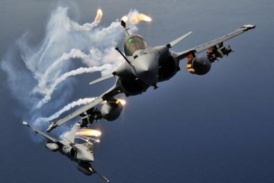 Pháp dùng chiến đấu cơ Rafale 'rải bớt đau thương' xuống IS tại Syria