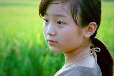 Xót xa cho 'Cô dâu 8 tuổi Việt' trong phim Cuộc đời của Yến