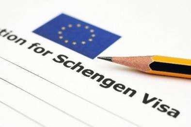 Tin tức mới nhất về Ukrainengày 23/11: Tổng thống Ukraine ký các đạo luật về đi lại tự do với EU