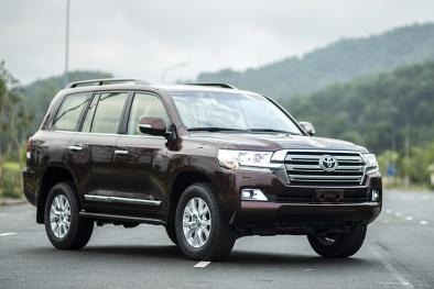 Toyota Land Cruiser 2015 nâng cấp thiết kế, giá 2,8 tỷ tại Việt Nam