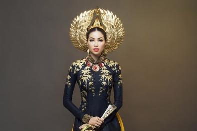 Phạm Hương thể hiện sự kiêu sa, quyền lực trong phần thi trang phục truyền thống