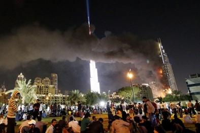 Khách sạn sang trọng nhất Dubai bốc cháy ngùn ngụt ngay trước Giao thừa