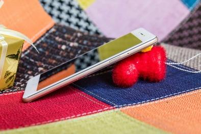 Top smartphone thiết kế 'xinh lung linh' tự tin đón Tết