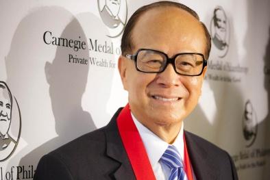 Tỷ phú 'thất học' Li Ka-shing giữ vững ngôi giàu nhất Hong Kong 18 năm