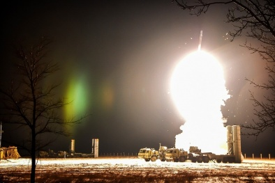 Cận cảnh 'rồng lửa' S-400 Triumph đang canh giữ lãnh thổ Nga