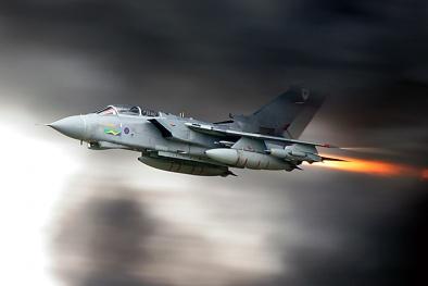 Máy bay chiến đấu Tornado GR4: 'Cuồng phong' Anh rải bom xuống IS