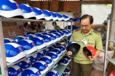 Lột mặt nạ của cơ sở chuyên sản xuất mũ bảo hiểm giả giá 11.000đ