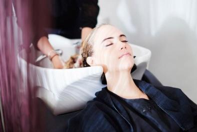 Bồn gội đầu tại salon tóc có thể gây đột quỵ