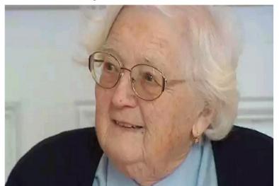 Cụ bà 91 tuổi lấy bằng tiến sĩ