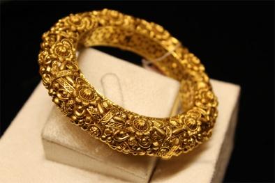 Cập nhật giá vàng trong nước ngày 25/3/2016: Giá vàng rơi sát mốc 33 triệu đồng