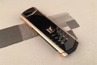 Điện thoại Vertu độ vỏ vàng đính kim cương có giá bằng căn nhà