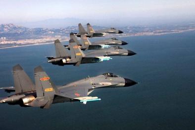 Trung Quốc ngang ngược đưa 'kẻ đánh tạt sườn' đến kiểm soát Biển Đông