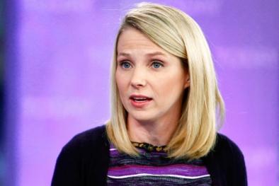 Yahoo kinh doanh thê thảm, Marissa Mayer vẫn 'hốt' bạc