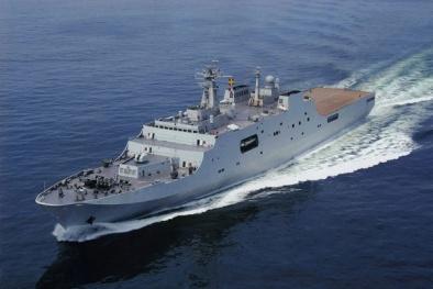 Tàu chiến 20.000 tấn từng hộ tống giàn khoan Trung Quốc lại tới Biển Đông