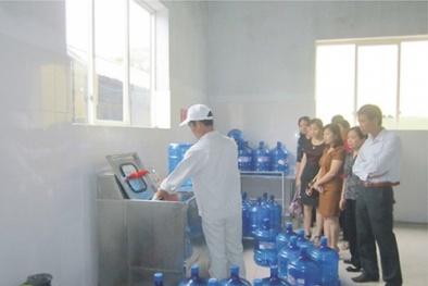 Hàng loạt cơ sở sản xuất nước đóng chai 'bẩn' tại Hà Nội bị bêu tên