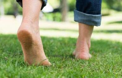 Tăng cường trí nhớ nhờ chạy bộ chân đất