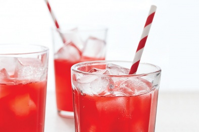 Nhồi máu cơ tim vì thói quen uống nước soda