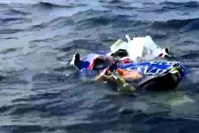 Cận cảnh quá trình trục vớt mảnh vỡ máy bay CASA 212 chìm ở độ sâu 58m