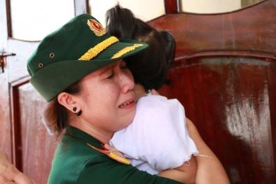 Những giọt nước mắt đắng cay trong lễ tang phi công Trần Quang Khải