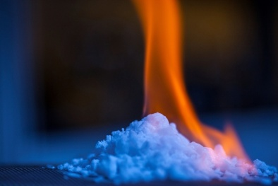 Trung Quốc tuyên bố tìm thấy nguồn băng cháy 'quý hơn vàng' ở Biển Đông