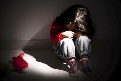 Bé gái tiểu học bị gã đốn mạt 'hại đời' bằng cái bẫy 5.000 đồng