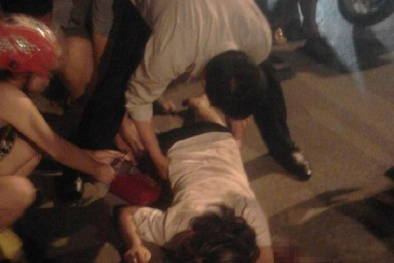 2 thiếu nữ tri hô cướp giữa phố, công an liền đuổi theo vây bắt