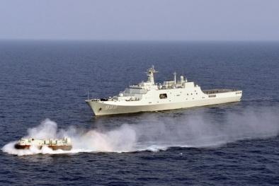 Tàu chiến Trung Quốc rầm rộ ra Biển Đông thị uy sức mạnh, thách thức PCA