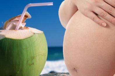 Bà bầu 3 tháng đầu có nên uống nước dừa?