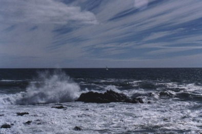 Dự báo thời tiết ngày 25/7: Áp thấp trên Biển Đông gây mưa dông