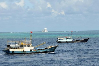 Trung Quốc 'ôm mộng' độc chiếm Biển Đông với cảng cá 'khủng' dài hơn 1.000m
