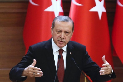 Phe đảo chính Thổ Nhĩ Kỳ ám sát hụt ông Erdogan chỉ vì...hết xăng