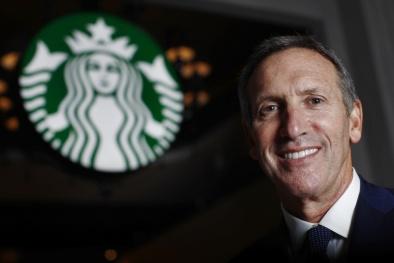 Ông chủ Café Starbucks: Từ tuổi thơ bán máu đến đế chế cà phê 77 tỷ USD