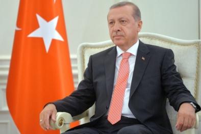 Tổng thống Thổ Nhĩ Kỳ bác thông tin F-16 cạn nhiên liệu nên mới thoát chết